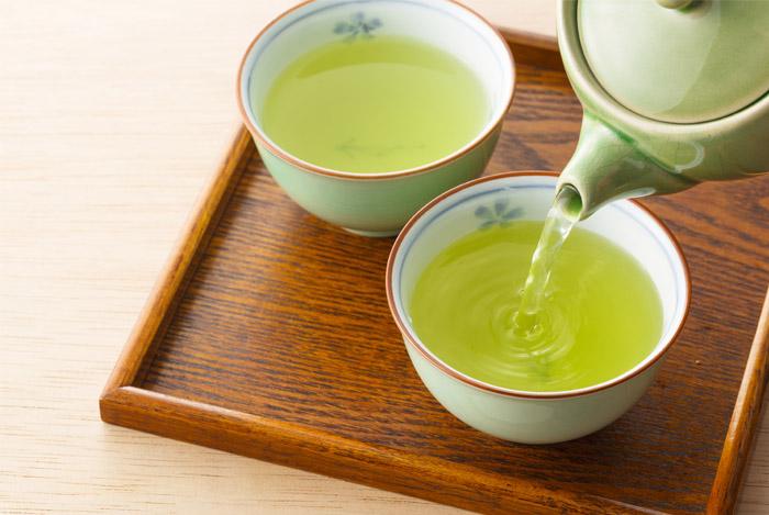 چای سبز تاثیر سیگار در ابتلا به سرطان ریه را کاهش می دهد!